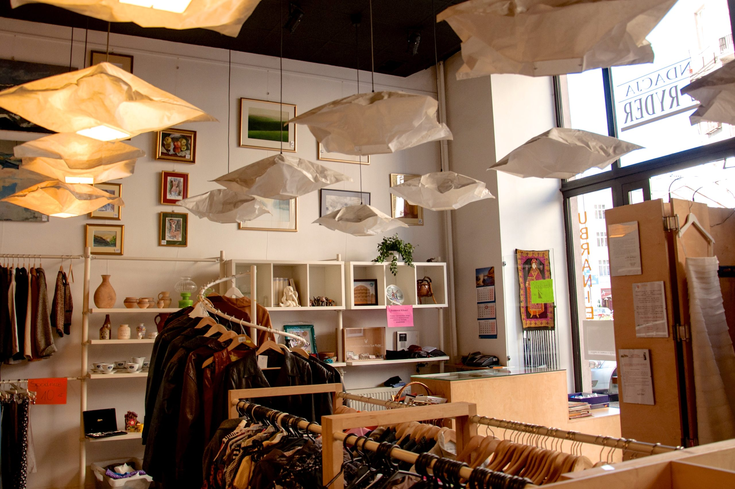 Fundacja Sue Ryder - Rozwój sklepów charytatywnych Sue Ryder